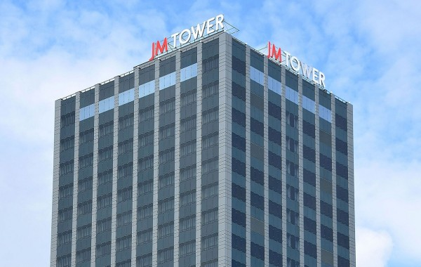 Hotel and office building (27 floors) JM Tower in Warsaw (2011-2013)